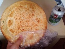 ピザ生地みたいなパン