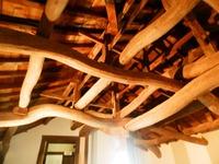 天井の梁がすごい