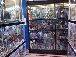 おもちゃ街のフィギュア店
