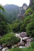 覚円峰と渓谷
