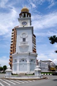 ビクトリア女王メモリアル時計台