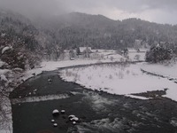 庄川の川の流れ