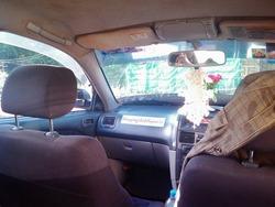 乗合タクシーの中