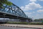 メナム川に架かるプット橋
