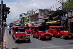 チェンマイの赤バス