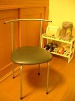レオパレス備え付けのパイプ椅子