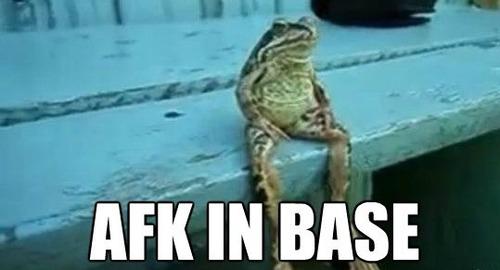 qq-afk-in-base-league-of-legends-meme