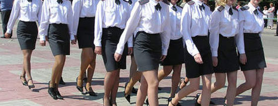 ロシアの女性警察官はモデル級の美しさ