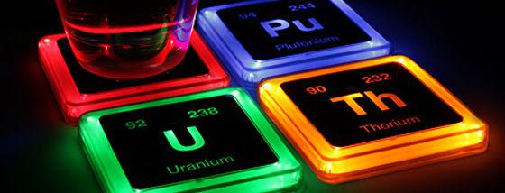 放射性元素記号が着いた光るコースター