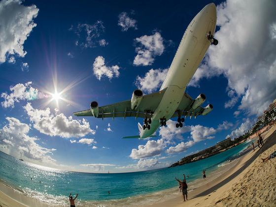 マホビーチの空港2
