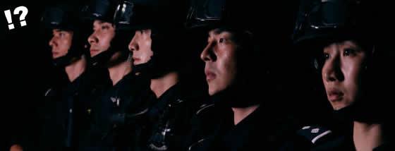 中国成都市の警察リクルートポスター