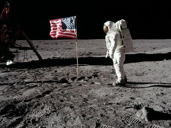 月面着陸がでっち上げでありえる10の理由1