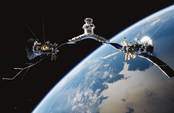 van-damme-splits-in-space