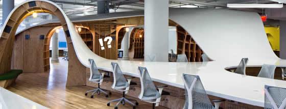 約335メートルにもなる長机が置いてある遊び心に溢れたオフィス