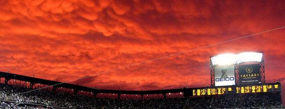 真紅の雲1