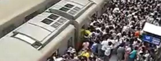 北京の地下鉄の朝のラッシュアワーの凄まじさ