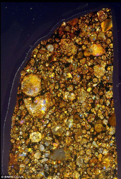 450億年前の隕石の中はまるで万華鏡の様な美しさ6