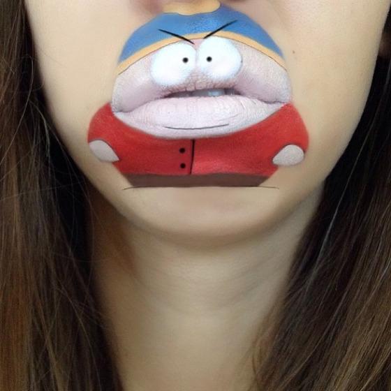 美女が唇を利用して顔に描く6