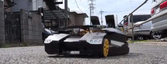トランスフォームするラジコンカーが凄い