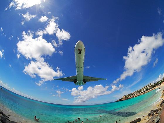 マホビーチの空港3