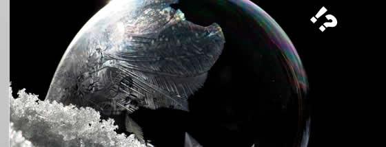 シャボン玉を凍らせるとまるでガラス細工のような美しさ