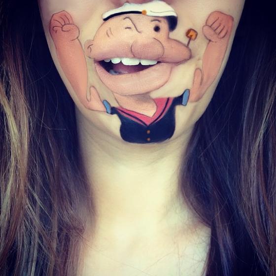 美女が唇を利用して顔に描く15