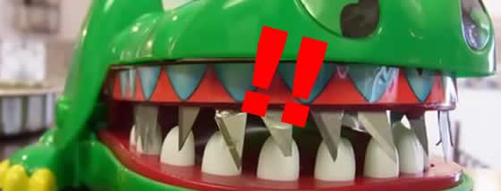 凶悪過ぎる改造をしたワニの玩具