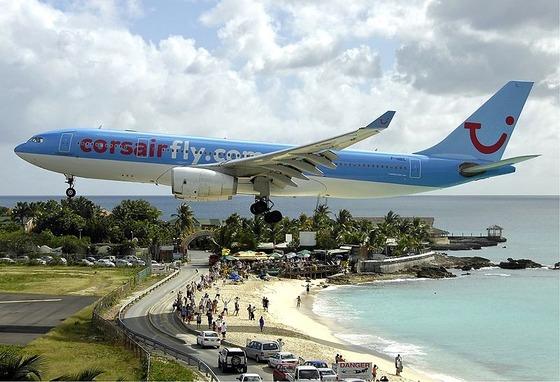 マホビーチの空港13