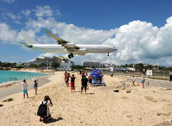 マホビーチの空港6