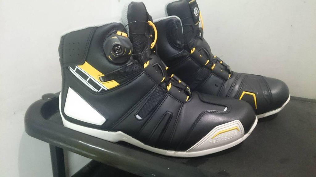 新しい防水ブーツ