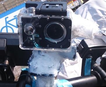 シリコンで固めたドライブレコーダカメラ側