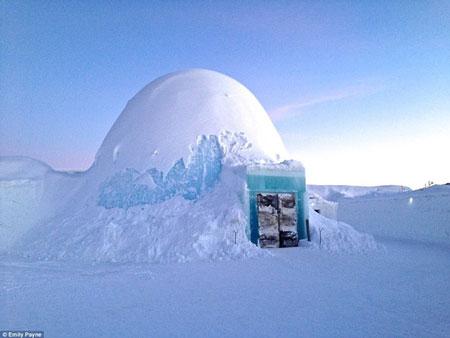 アナと雪の女王のエルサの宮殿のような「氷結ホテル」2
