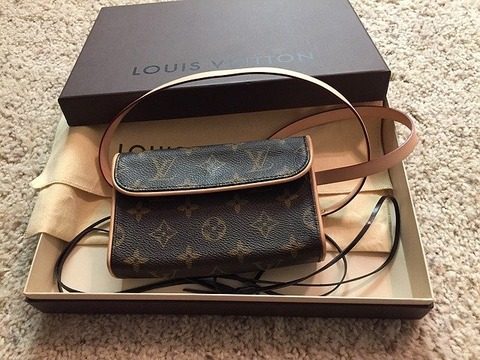 purse-1200498_640