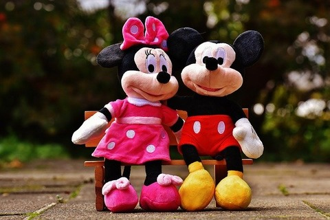 mickey-mouse-1776696_640
