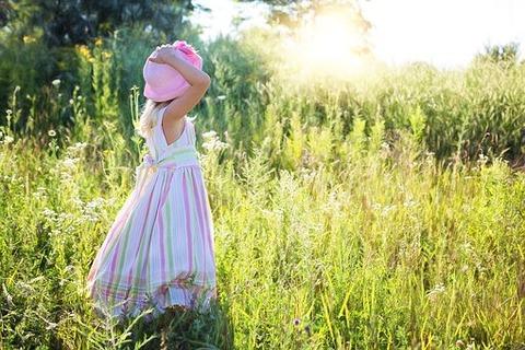 little-girl-2516582__340