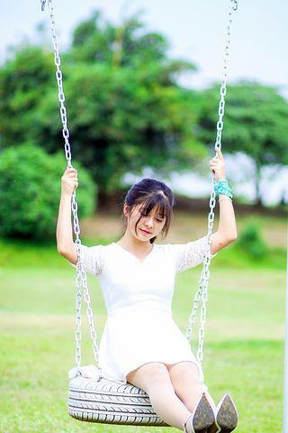 girl-3287775__480