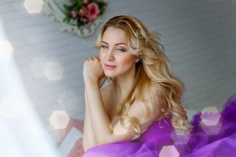 woman-3303689__480