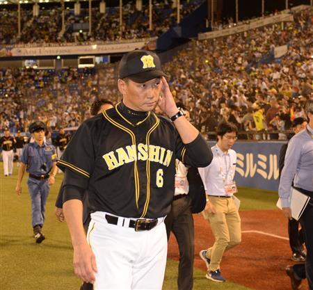 【野球】阪神タイガース、17年ぶりの最下位確定 「辞めろ!」「代われ!」金本監督に怒号のシャワー「ホントにまあ申し訳ない」
