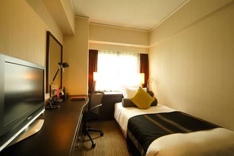 一人暮らしに広い部屋っている?ホテルのシングルみたいな部屋どう?