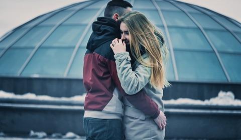 女ってほんと彼氏いない期間作らないのな。すぐ相手を見つけられて羨ましい