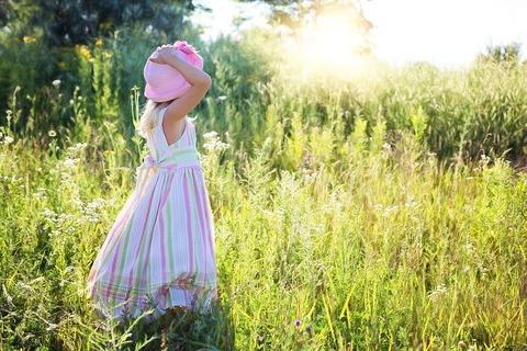 little-girl-2516582__480