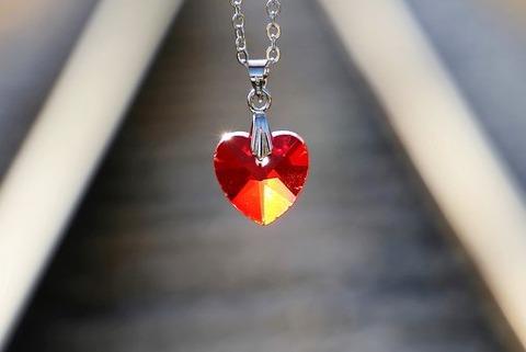 red-heart-medallion-3523612__340