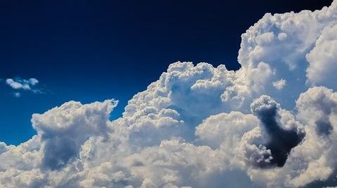 clouds-2329680_640
