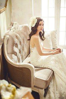 wedding-dresses-1486239__340