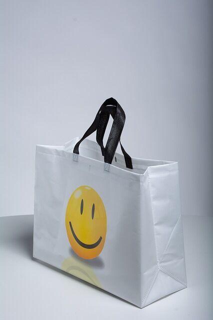 non-woven-bags-3917810_640