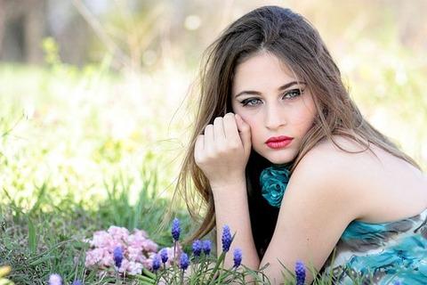 girl-1532733__340