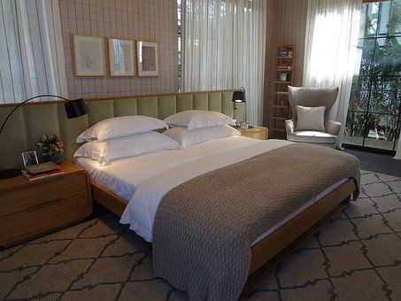couple-room-1613619__340