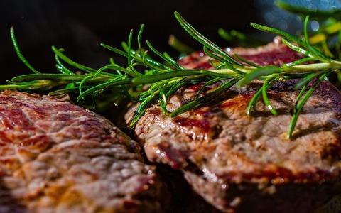 ステーキに醤油かけたら美味すぎワロタw