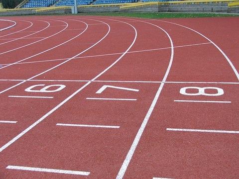 track-492216_640