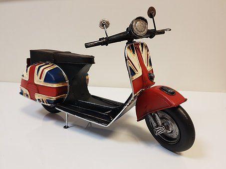 moped-model-2917573__340